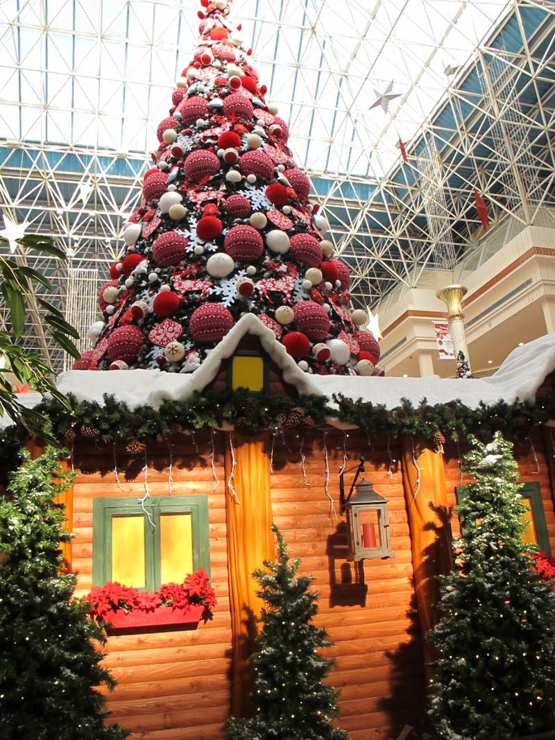 Wafi Winter Garden Wonderland Santa Post Box Office